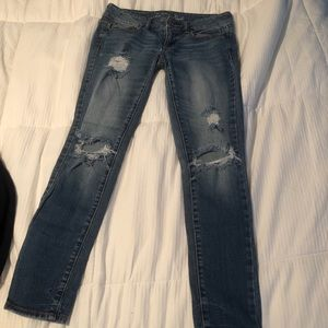 NWOTS/Never Worn Light wash distressed jeans